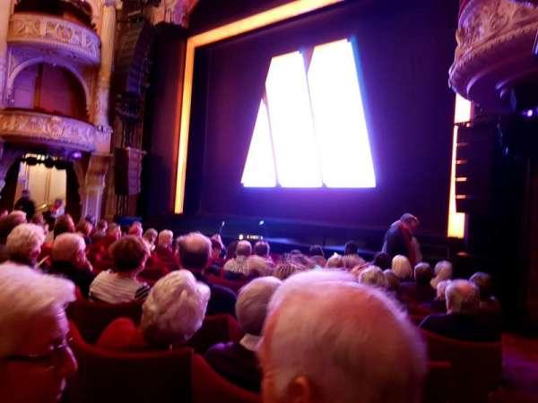 Shaftesbury Theatre, secção: Stalls, fila: J, lugar: 4