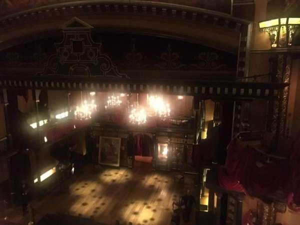 Belasco Theatre, secção: Balcony R, fila: A, lugar: 4