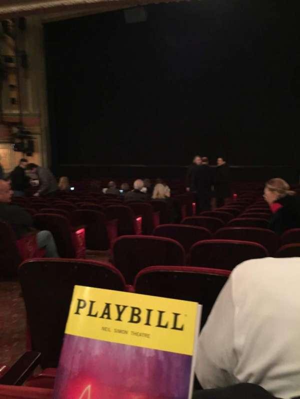 Neil Simon Theatre, secção: Orchestra R, fila: R, lugar: 6