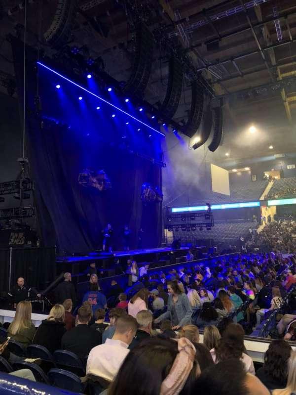 Allstate Arena, secção: 103, fila: A, lugar: 14