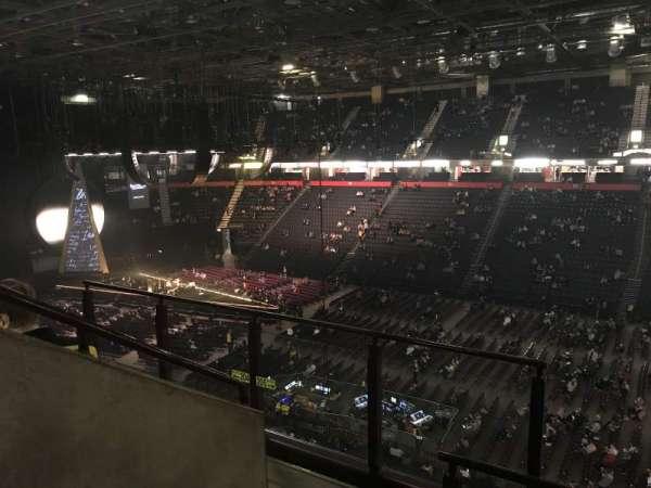Manchester arena, secção: 205, fila: D, lugar: 1