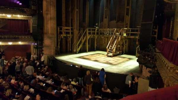 CIBC Theatre, secção: Dress Circle Box 2, fila: BX2, lugar: 202-208