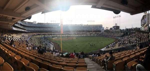 Dodger Stadium, secção: 166LG, fila: R, lugar: 20