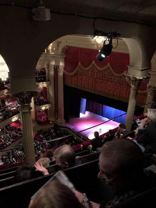 Academy of Music, secção: Amphitheater B, fila: E, lugar: 44