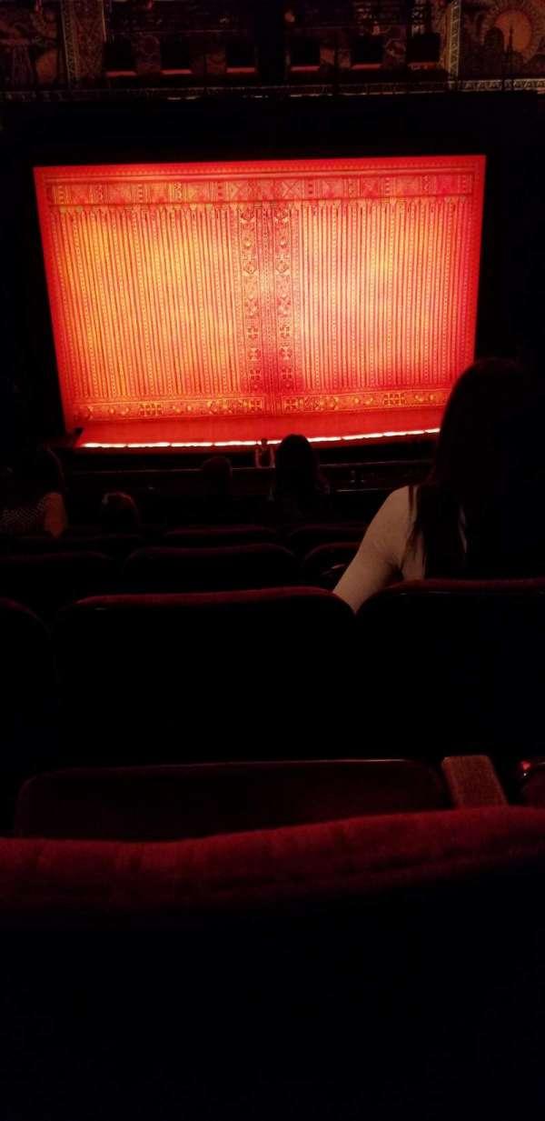 Hollywood Pantages Theatre, secção: Mezzanine C, fila: F, lugar: 111
