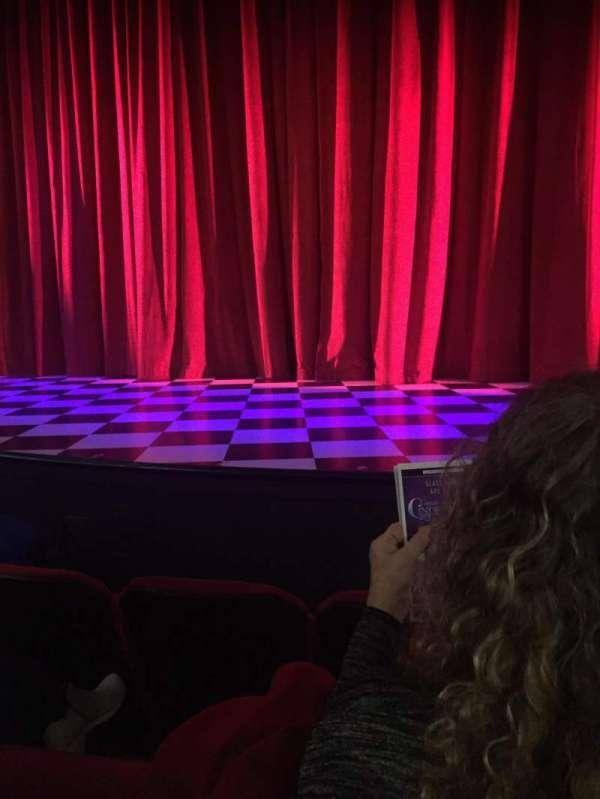 Broadway Playhouse, secção: Center Orchestra, fila: C, lugar: 5
