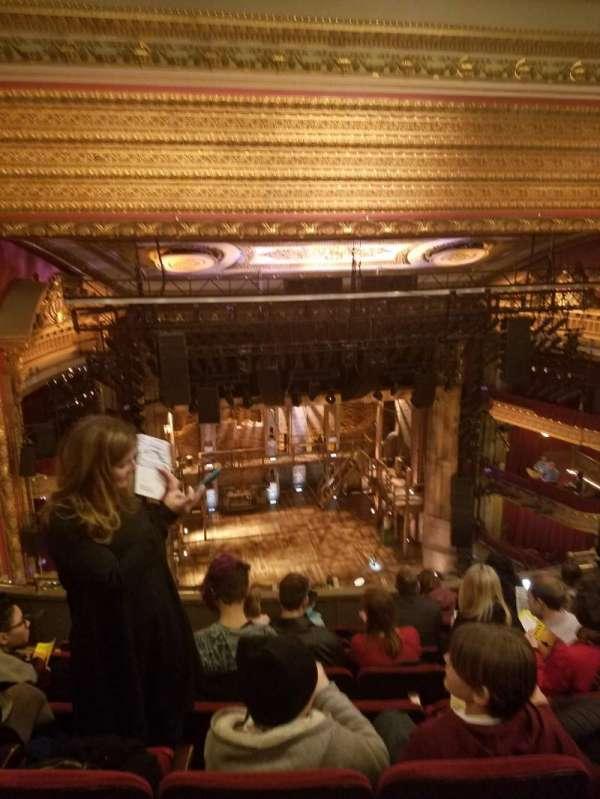 CIBC Theatre, secção: Balcony LC, fila: H, lugar: 415