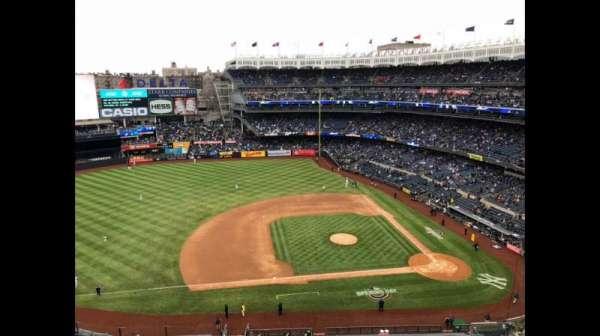 Yankee Stadium, secção: 424, fila: 1, lugar: 1