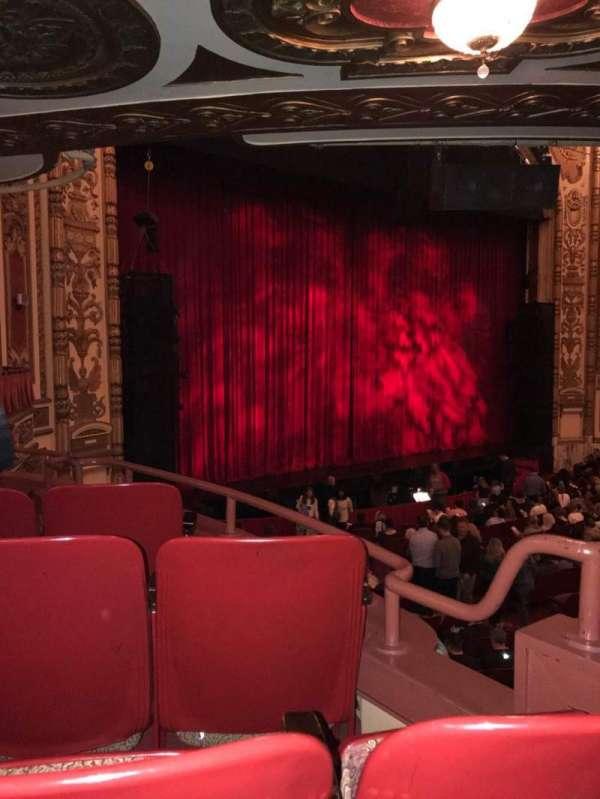 Cadillac Palace Theater, secção: Dress Circle FL, fila: FF, lugar: 9