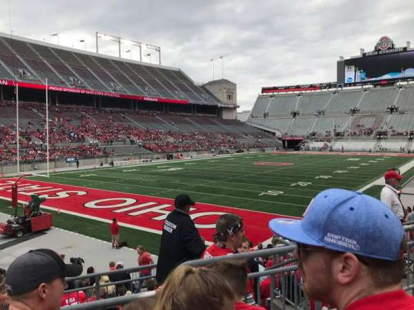 Ohio Stadium, secção: 9a, fila: 3, lugar: 8
