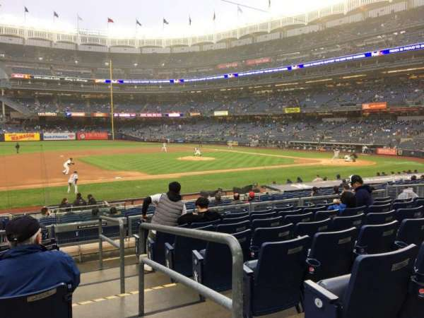 Yankee Stadium, secção: 126, fila: 8, lugar: 3