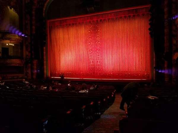 New Amsterdam Theatre, secção: Orchestra L, fila: R, lugar: 2