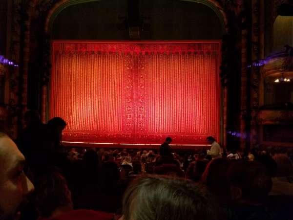 New Amsterdam Theatre, secção: Orchestra C, fila: S, lugar: 104