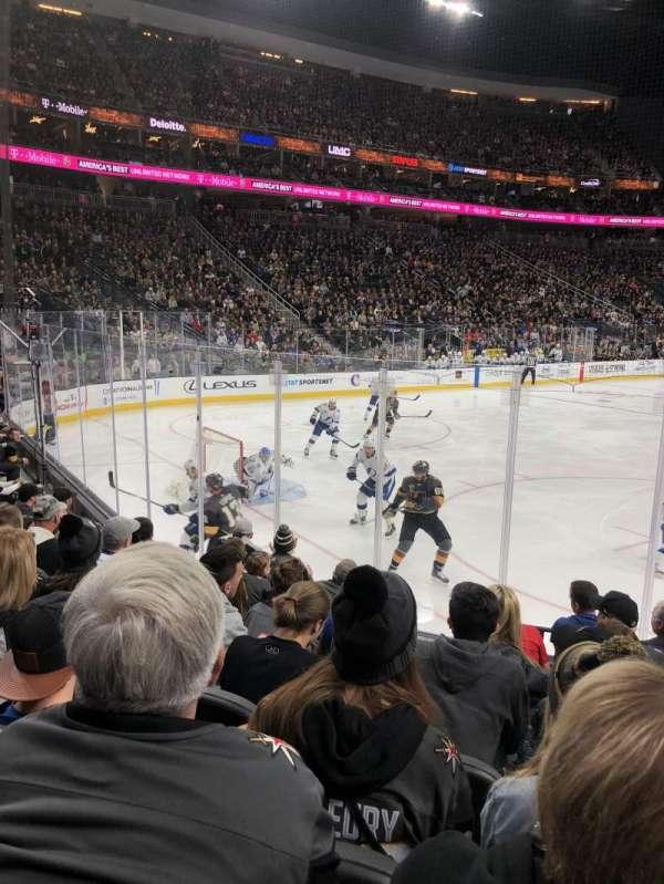 T-Mobile Arena, secção: 12, fila: G, lugar: 10