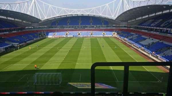 University of Bolton Stadium, secção: G, fila: JJ, lugar: 103
