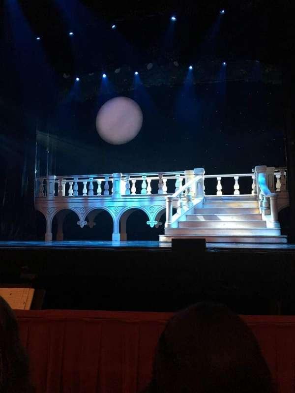 Cadillac Palace Theater, secção: Orchestra C, fila: B, lugar: 114
