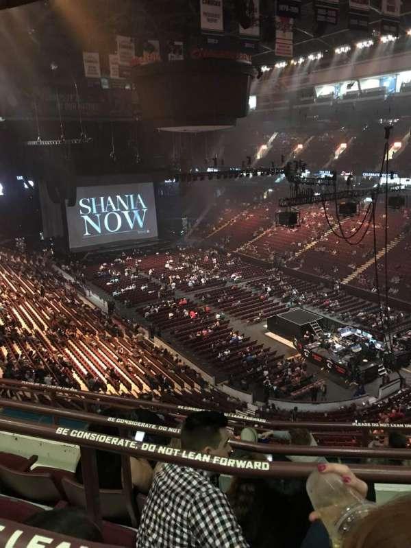 Rogers Arena, secção: 318, fila: 9, lugar: 8
