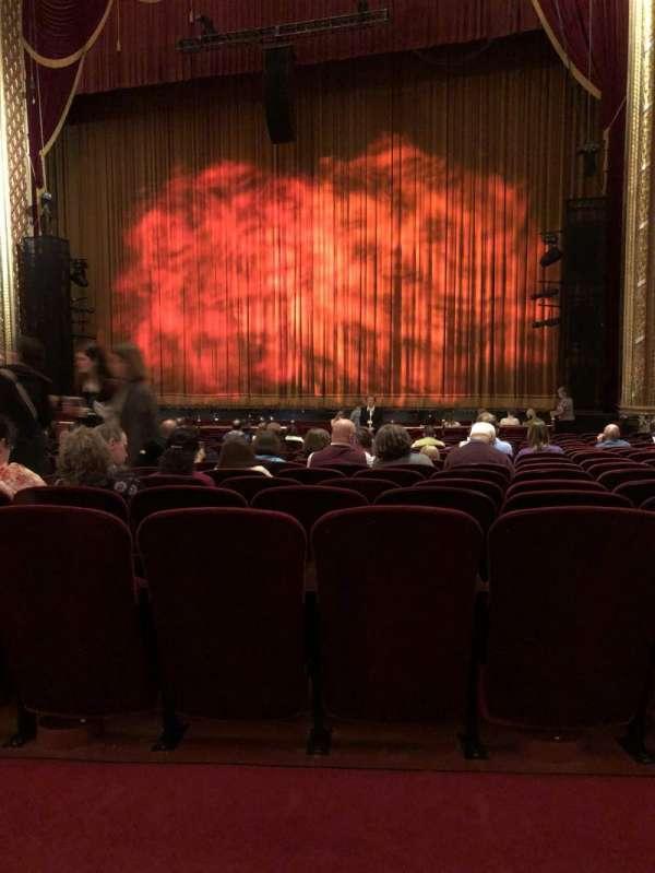 Wang Theatre, secção: Orchestra, fila: P, lugar: 14