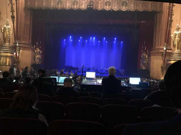 Beacon Theatre, secção: Orchestra C, fila: T, lugar: 112