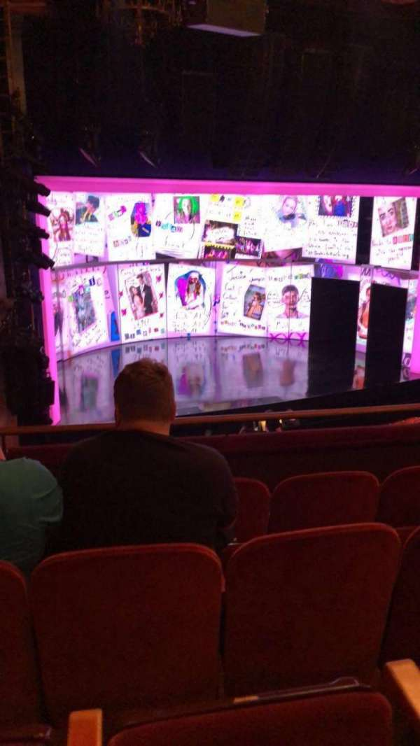 August Wilson Theatre, secção: Mezzanine L, fila: D, lugar: 17