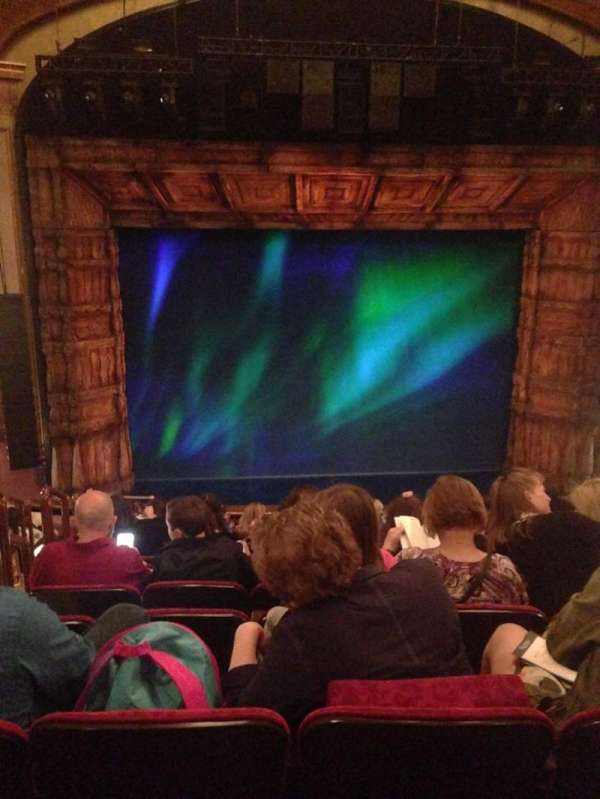 St. James Theatre, secção: MEZZC, fila: L, lugar: 114