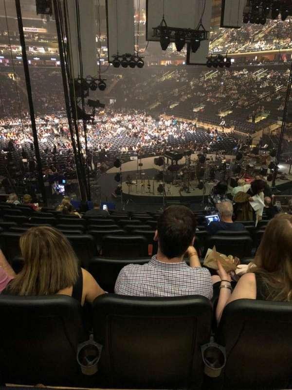 Madison Square Garden, secção: 111, fila: 17, lugar: 13