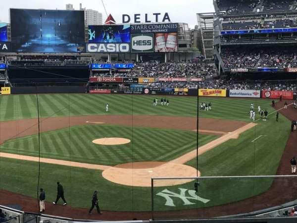 Yankee Stadium, secção: 221a, fila: 4, lugar: 1