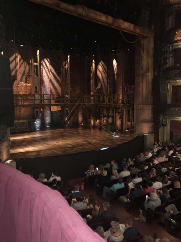 CIBC Theatre, secção: Dress Circle Box 1, fila: 11, lugar: 209