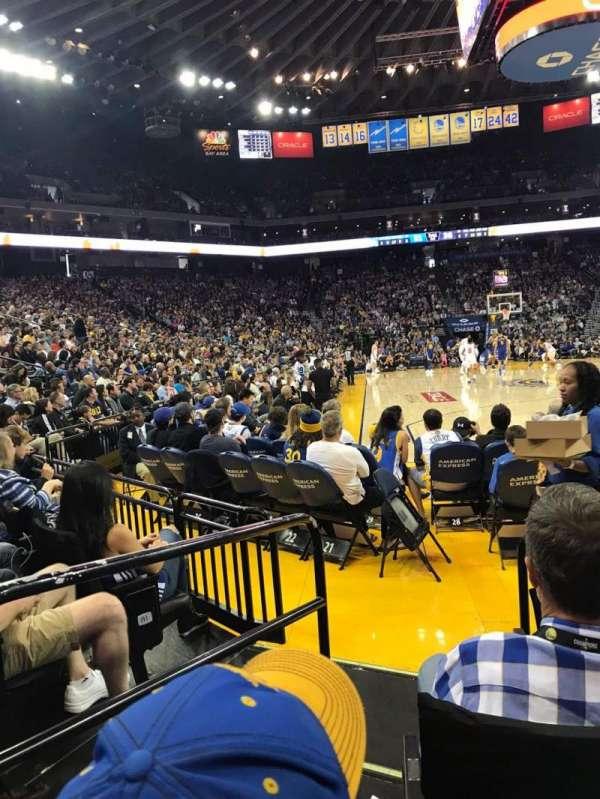 Oakland Arena, secção: 22, fila: A3, lugar: 2