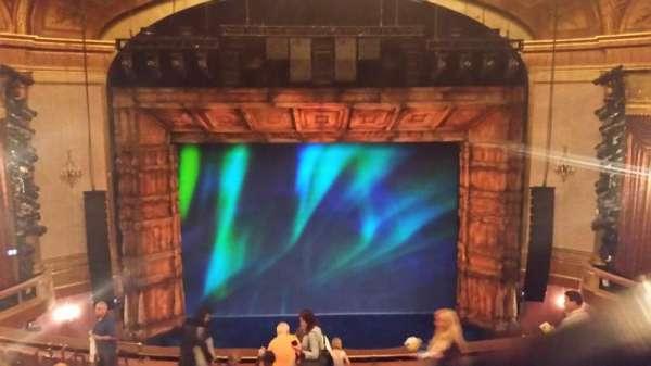 St. James Theatre, secção: Mezzanine C, fila: M, lugar: 109