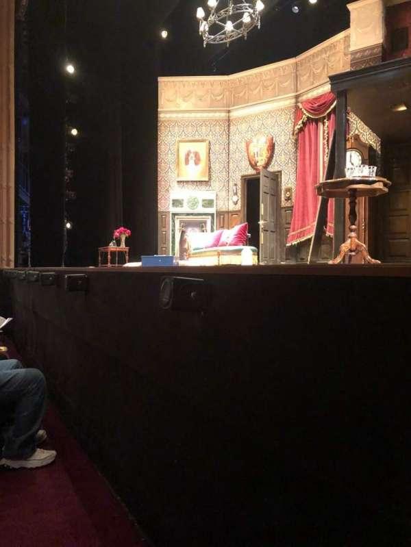 Lyceum Theatre (Broadway), secção: Orch, fila: A, lugar: 8
