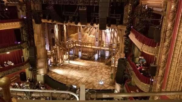 CIBC Theatre, secção: Balcony R, fila: B, lugar: 4,6