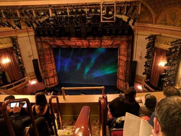 St. James Theatre, secção: BALCR, fila: D, lugar: 2