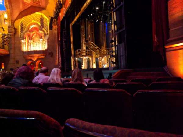 Fox Theatre (Atlanta), secção: Orchestra R, fila: F, lugar: 16