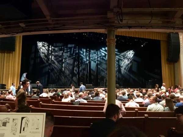 Ryman Auditorium, secção: MF-6, fila: Q, lugar: 1