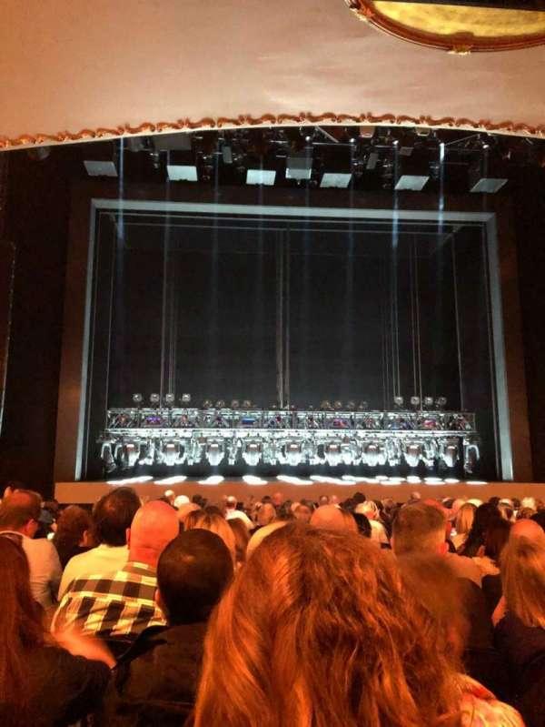 Lunt-Fontanne Theatre, secção: Orch, fila: Q, lugar: 104
