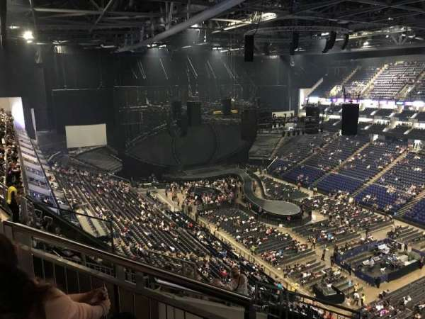 The O2 Arena, secção: 407, fila: J, lugar: 617