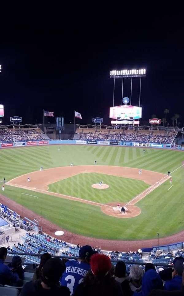 Dodger Stadium, secção: 5RS, fila: H, lugar: 12