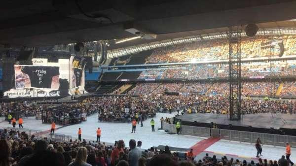 Etihad Stadium (Manchester), secção: 122, fila: CC
