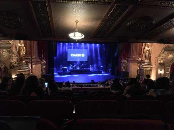 Beacon Theatre, secção: LOGE 1, fila: K, lugar: 3