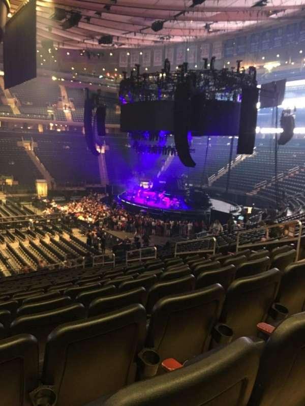 Madison Square Garden, secção: 107, fila: 21, lugar: 6