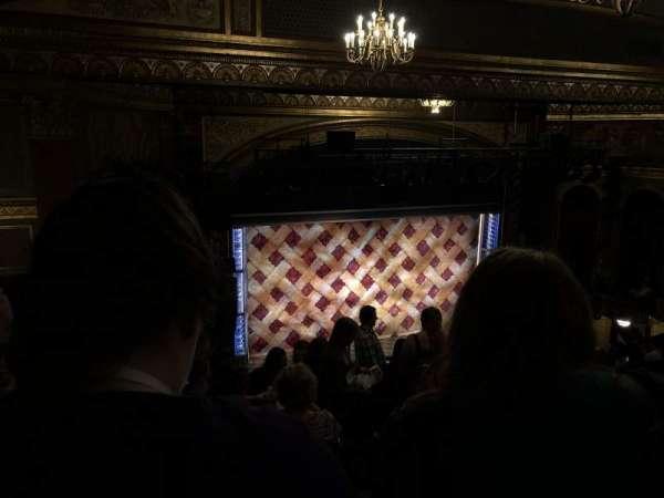Brooks Atkinson Theatre, secção: Rear Mezzanine L, fila: L, lugar: 5