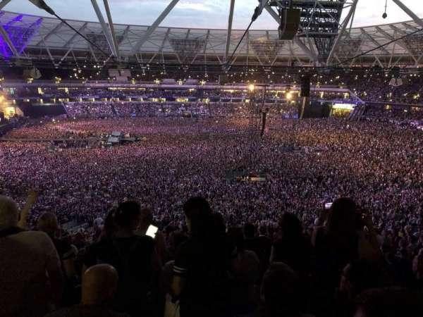 London Stadium, secção: 235, fila: 60, lugar: 242