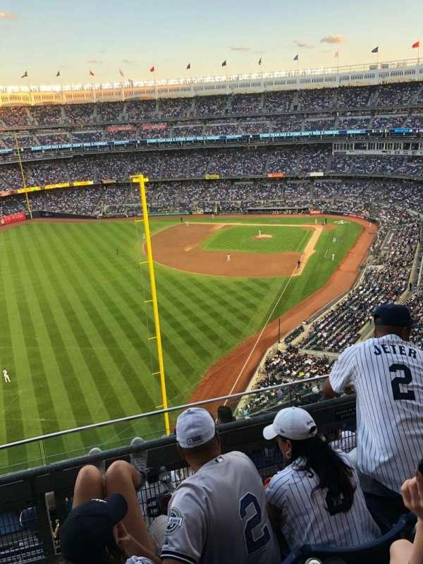 Yankee Stadium, secção: 431, fila: 3, lugar: 5