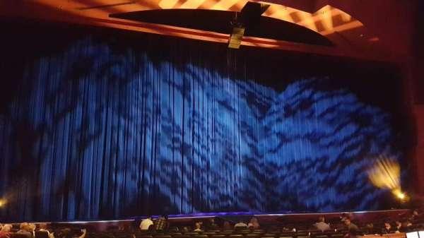 Paris Theater, secção: Front Mezzanine, fila: B, lugar: 57
