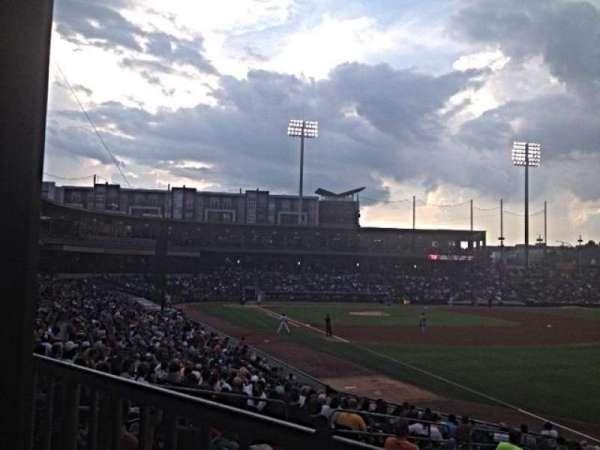 BB&T Ballpark (Charlotte), secção: 102, fila: V, lugar: 2