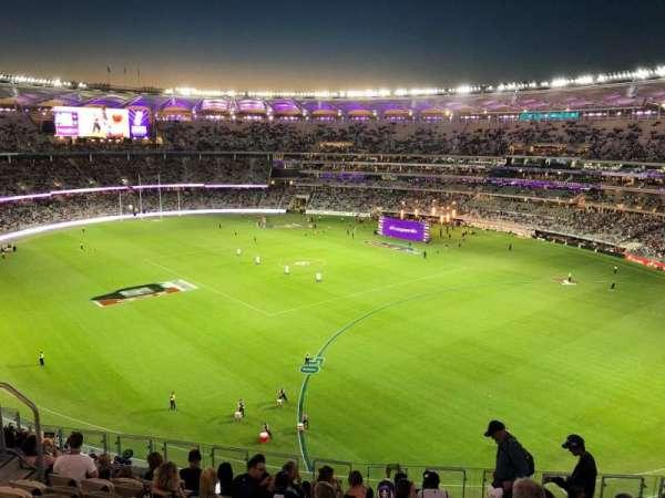 Optus Stadium, secção: 550, fila: 11, lugar: 15
