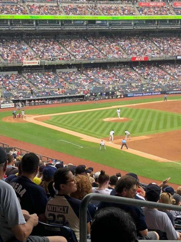 Yankee Stadium, secção: 211, fila: 18, lugar: 20
