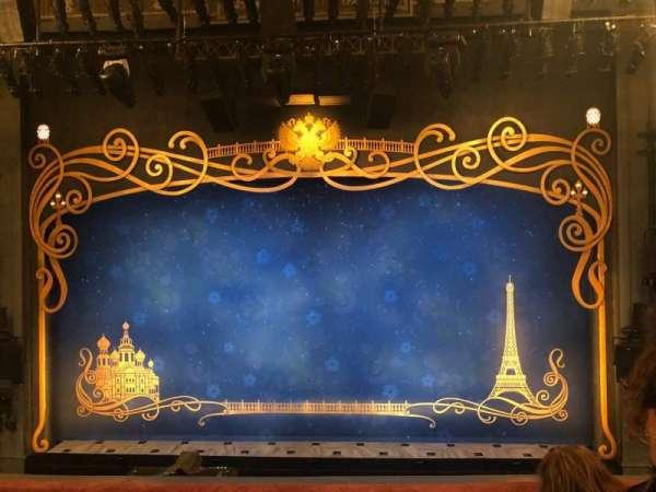 Broadhurst Theatre, secção: Mezzanine C, fila: C, lugar: 109-111