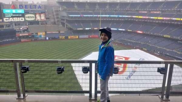 Yankee Stadium, secção: 327, fila: 9SR, lugar: 9
